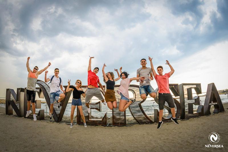 Uite cum poti sa faci parte din echipa de voluntari a festivalului NEVERSEA!