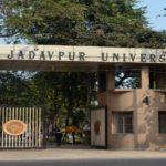 Studentii din India, pusi sa semneze declaratii ca nu consuma droguri sau alcool