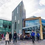 Universitatea din Sheffield isi plateste studentii pentru a ține cursuri despre stoparea rasismului