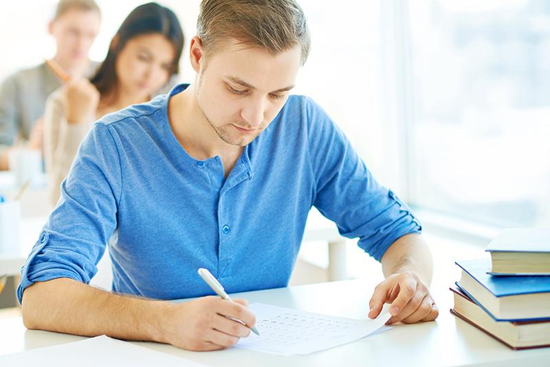 Ministerul Educatiei a anuntat cand vor avea loc simularile pentru Evaluarea Nationala si BAC